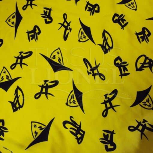 Carnaval chapeaux chinois noir sur fond jaune
