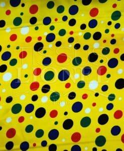 carnaval points multicouleurs sur fond jaune