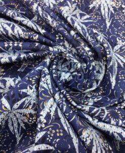Tissu gabardine de coton palmiers bleu