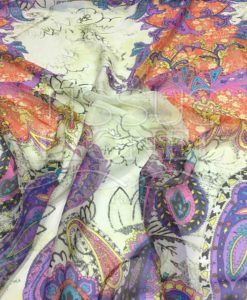 Paisley patroon chiffon off-witte achtergrond