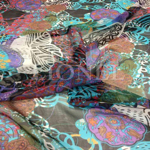 Mousseline de soie motif Paisley fond noir