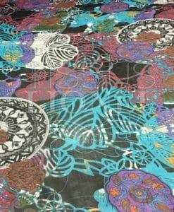 Paisley patroon chiffon zwarte achtergrond