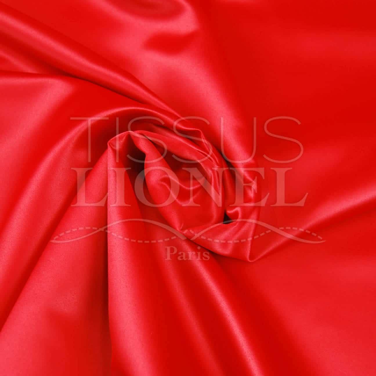 Satin duchesse rouge tissus lionel - Tissus rouge pas cher ...