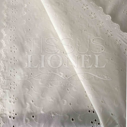 Tissu broderie anglaise blanc