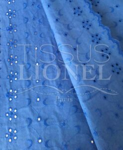 Tissu broderie anglaise royal