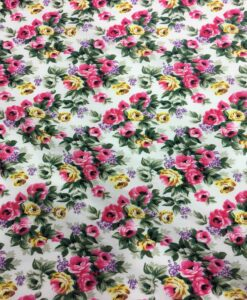 Tissu coton imprimé fleuris bouquet de rose sur fond blanc