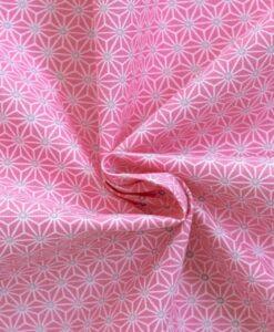 Tissu coton imprimé motif cube géométrique rose bonbon