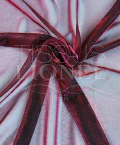 Парусный красные и изменение фуксии люрекс